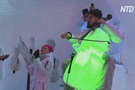 Концерти на інструментах з льоду влаштовують в іглу на італійському льодовику