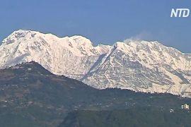 У Непалі через погану погоду тимчасово припинили шукати зниклих альпіністів