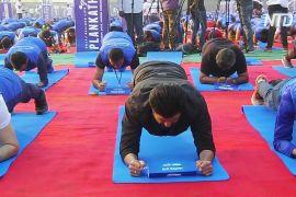 Аніл Капур і ще 2470 індійців побили рекорд Гіннеса, виконавши позу планки