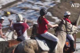 Французи й канадці зіграли в горсбол у Киргизстані