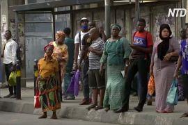 Життя без моторикш: жителі Лагоса ледве добираються до роботи