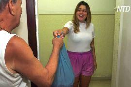 Бразилійка добровільно ходить по покупки для стареньких, що в самоізоляції