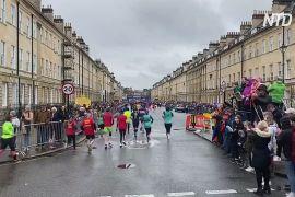 Понад 6000 бігунів узяли участь у півмарафоні на заході Англії