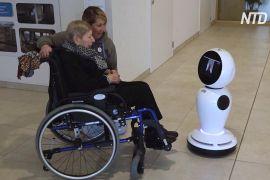 Роботи-гуманоїди допомагають стареньким бельгійцям спілкуватися з рідними