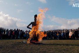 На Масницю в «Пирогово» перетягували канати і спалювали «кострубатого діда»