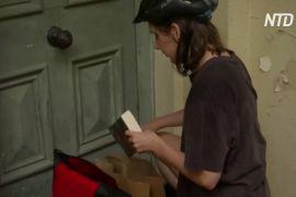 В Австралії книги доставляють прямо додому, щоб люди не нудьгували на карантині