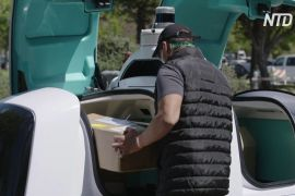 У США безпілотні авто безкоштовно доставляють продукти та медикаменти
