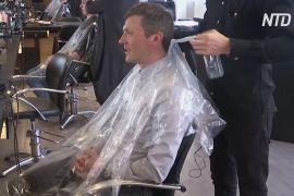 Данський перукар дякує тим, хто не стригся вдома