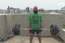 Спортзал на даху: іракські важкоатлети не байдикують на карантині