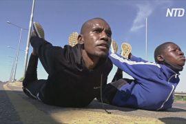 Спортзал просто неба: кенійці тренуються поруч із шосе