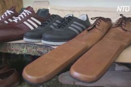 Румунський швець винайшов взуття для соціального дистанціювання