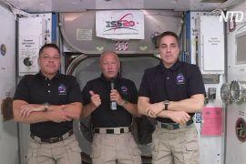 Екіпаж Crew Dragon розповів про політ у першому приватному пілотованому космічному кораблі