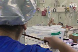 Медсестра грає на скрипці хворим на COVID-19