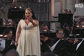 Оперна діва з Грузії виступила на Афінській агорі