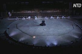 В античному театрі Епідавра в Греції вистави проходять в умовах соцдистанціювання