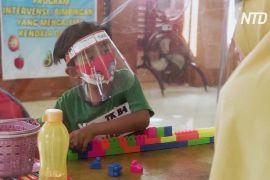 Прозорі намети та онлайн-уроки: як дитячий садок в Індонезії пристосовується до пандемії
