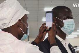 В Уганді виготовляють перший смартфон, який здатен вимірювати температуру тіла