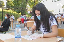 Півтора мільйона абітурієнтів Узбекистану складають іспити на вулиці