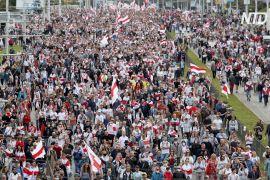 Близько 100 тисяч людей вийшло в неділю на протест у Мінську