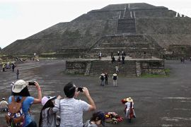 Серед пірамід Теотіуакана знову гуляють туристи