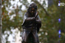 У Лондоні поставили пам'ятник Гаррі Поттеру, що летить на мітлі
