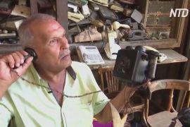 Єгиптянин збирає старовинні телефони політиків і зірок кіно