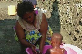 Африканка, що перехворіла на гарячку Ебола, самотужки ростить 10 дітей і допомагає іншим