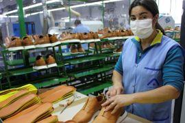 Португальські виробники взуття змінюють підбори на маски