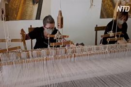 На 200-літніх ткацьких верстатах створюють маски класу люкс