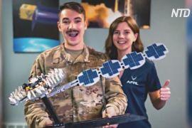 Інженер військово-повітряних сил США побудував із Lego модель навігаційного супутника