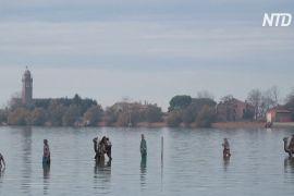 Різдвяний вертеп на воді: незвичайна інсталяція у Венеціанській лагуні