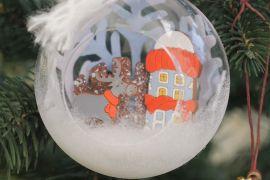 У Києві пропонують робити новорічні іграшки власноруч