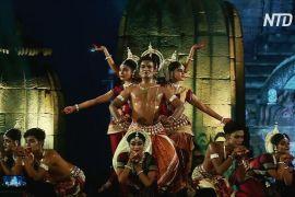 Індійські танці на тлі стародавнього храму заворожують глядачів