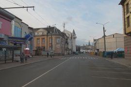 Вулиці українських міст спорожніли — у країні почався карантин