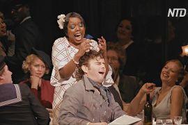 Оперні співаки Англії допомагають людям, які перехворіли на COVID, правильно дихати