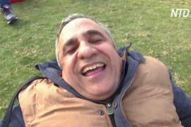 Посмійся зі своїх проблем: єгиптяни знімають стрес за допомогою йоги сміху