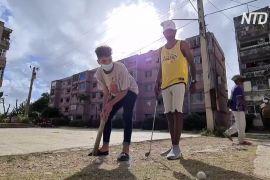 Через карантин кубинські підлітки захопилися мінігольфом