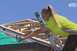 Юні австралійці з проблемних сімей навчаються на будівельників
