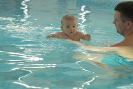 Немовля встановило рекорд України, пірнувши 11 раз