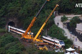 На місці аварії потягу на Тайвані з тунелю вдалося витягти понівечений вагон
