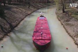 У Франції навчають, як не сісти на мілину в Суецькому каналі