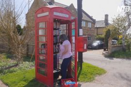 Червоні телефонні будки у Великій Британії перетворюють на музеї та бібліотеки