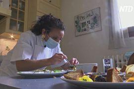 Парижани запрошують до себе додому шеф-кухарів, щоб відчути себе в ресторані