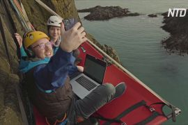Офіс, підвішений на скелі: шотландець показав значення поняття «віддалена робота»