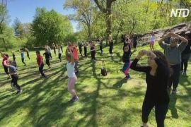 Зумба в парку просто неба дарує щастя жителям Нью-Йорка