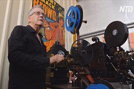 Австралієць зібрав колекцію вінтажних проєкторів для кінотеатрів