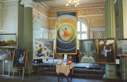 Світ реальний і міфічний поєднали унікальні картини в Харкові