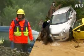 Зливи в Європі змивають машини й затоплюють міста