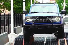Випробуй позашляховик: Чиказький автосалон тепер інтерактивний