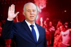 Президент Тунісу звільнив прем'єра, зупинив роботу парламенту й пішов протестувати